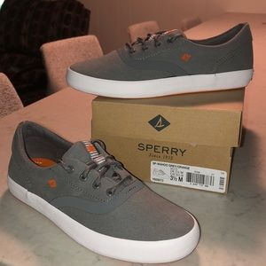 Boys Sperry sneakers, BNIB!  Size 3.5